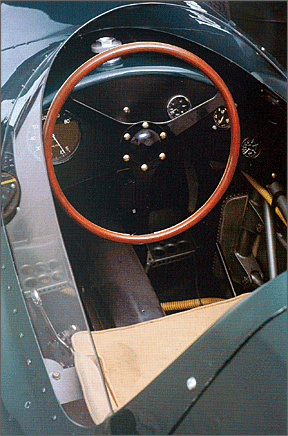 vanwall_cockpit_color_1_v1