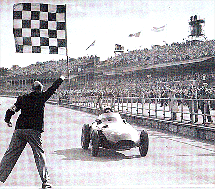 vanwall_moss_wins_british_gp_1_v1
